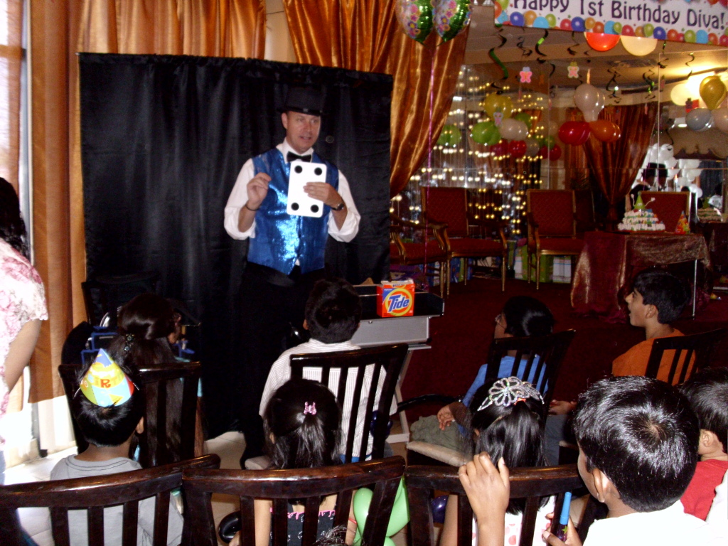 Uncategorized Magic For Kids family party magician best in magic las vegas nv the basic package